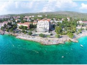 CRIKVENICA - The hotel is 10 meters from the crystal turquoise sea; (0)