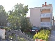 We are selling a house with five apartments in Medulin. (0)