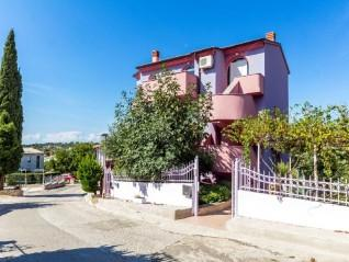 Pula Veruda Beautiful detached house for sale on 4 floors overlooking the sea. (0)